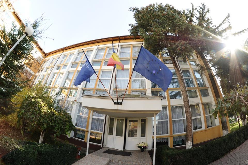 """Liceul Teoretic """"Petre Pandrea"""" – ŞCOALĂ EUROPEANĂ"""