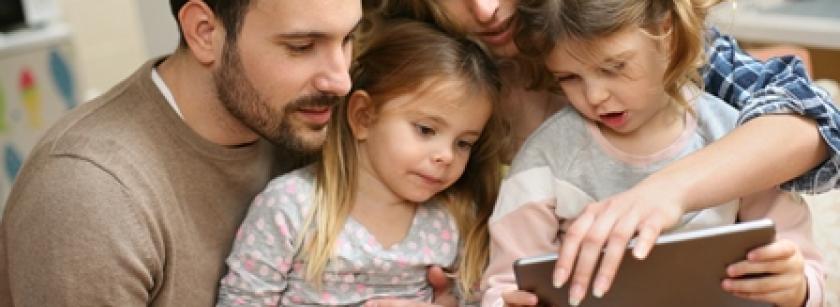 Copiii digitali-părinți digitali